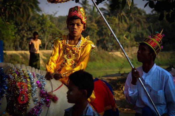 myanmar mrauk parade